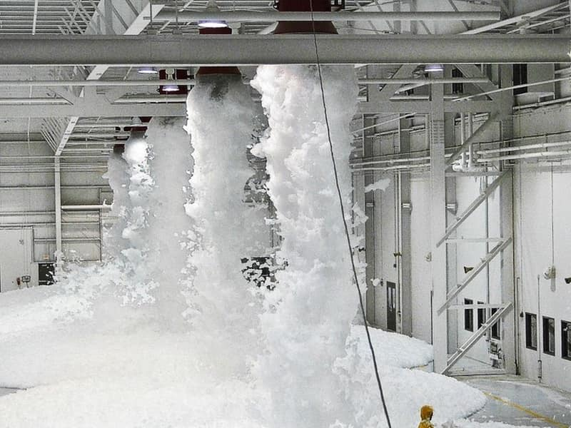 Профессиональная установка систем автоматического пожаротушения на любом объекте. Доступные цены и качественный сервис и гарантия на модули пожаротушения.