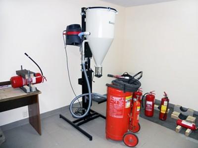 Заправка огнетушителей огнетушащим веществом.